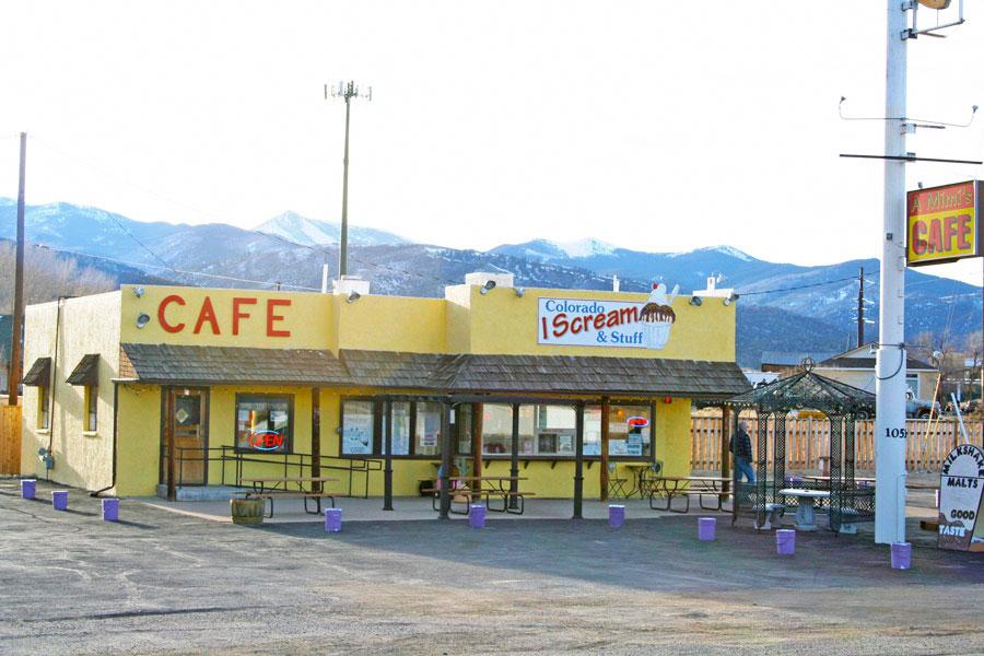 A Mimis Cafe