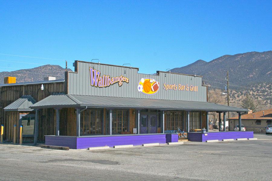 Wallbangers Restaurant